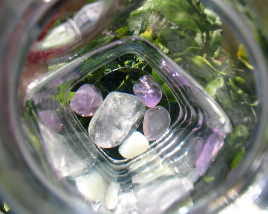 Quartz crystals are the best type of crystallised stone to make crystal waters.