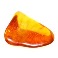 XAE01_crystal_specimens_amber_2