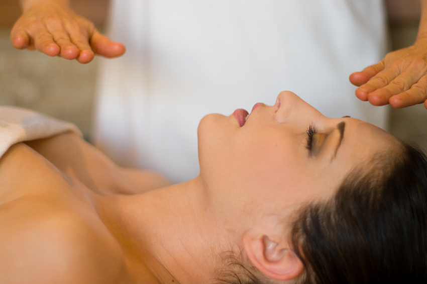Reiki Treatment uses the transerance of energy